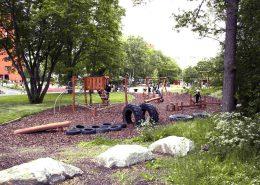 Den naturlika hinderbanan är ett populärt tillskott i parken